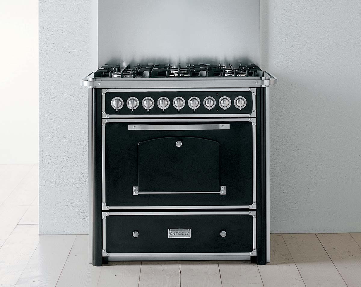 תנור קלאסי שחור